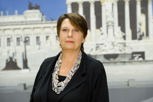 Renate Csörgits - Nationalratsabgeordnete