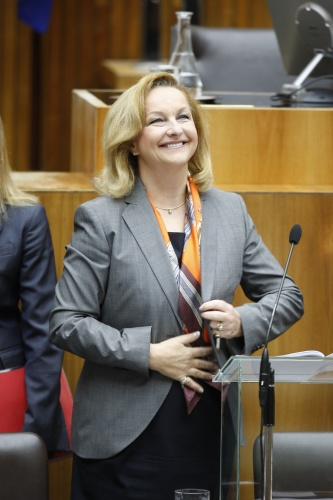 124. Nationalratssitzung. Budgetrede 2012 von Finanzministerin Mag.<sup>a</sup> Dr.<sup>in</sup> Maria Fekter