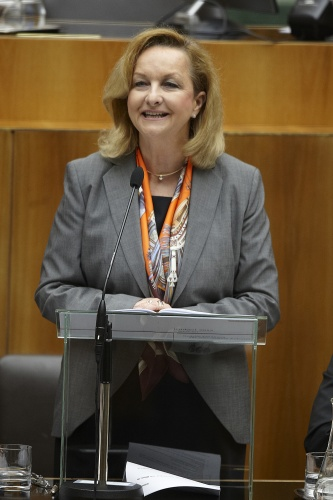 Finanzministerin Mag.<sup>a</sup> Dr.<sup>in</sup>  Maria Fekter bei ihrer Budgetrede