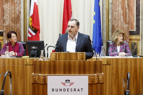 Bundesrat Christoph Längle (F) am Rednerpult