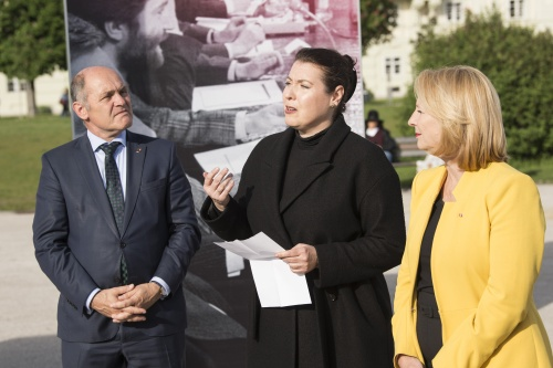 Von links: Nationalratspräsident Wolfgang Sobotka (V), Nadia Rapp-Wimberger, Nationalratspräsidentin Doris Bures (S)