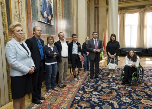 Delegation des Paralympic Teams und Commitees im Parlament