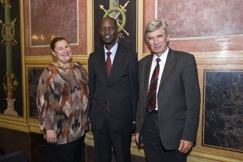 v.li. Nationalratsabgeordnete Petra Bayr, Vice-Minister of Foreign Affairs and Cooperation - Republic of Mozambique, Henrique Banze und Nationalratsabgeordneter Franz Glaser