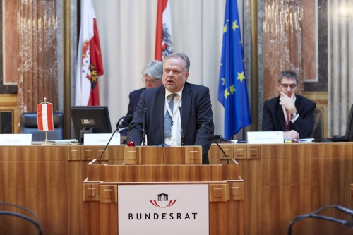 Mr. Kilian Kleinschmidt, Advisor to the Austrian Federal Ministry of the Interior Am Rednerpult